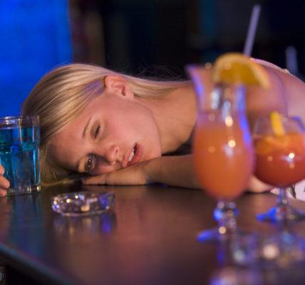 Алкогольный амнестический синдром.